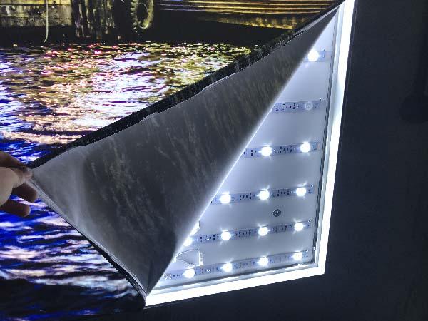 led lightning of frameless fabric light box